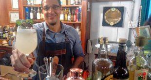 Garin em ação no Café do Bom, Cachaça da Boa