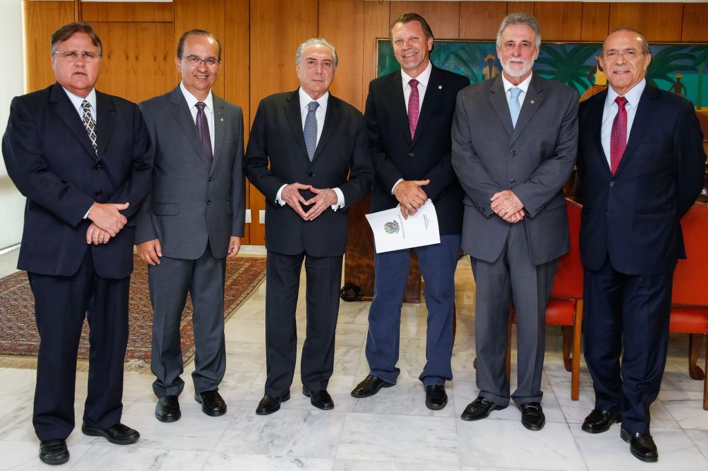 Geddel, Mello, Temer, Hamm, Melles e Padilha no Planalto. Foto: Carolina Antunes/PR
