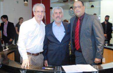 José Lúcio, José Otávio (Ampaq) e Cristiano (SindBebidas)