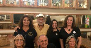 Turma linda do Copo Furado e CCC preparando a festa: Sérgio Rabello,do Sat´s, de chapéu