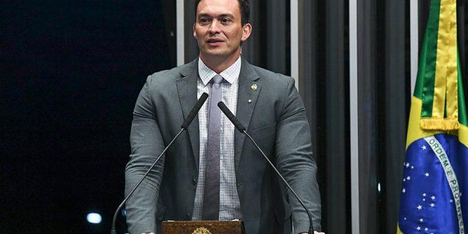 senador-quer-prioibir-publicidade-de-bebidas